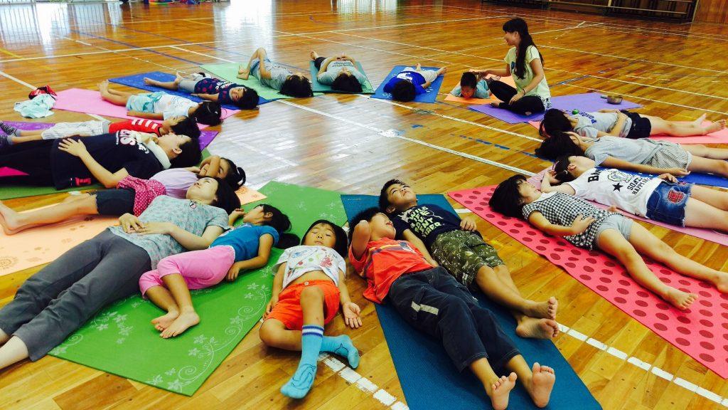 子どもヨガ教室in八幡台_8024